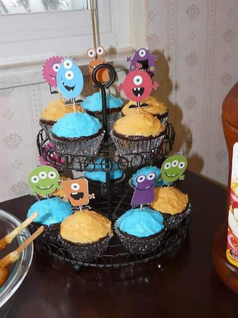 monster-party-cupcakes