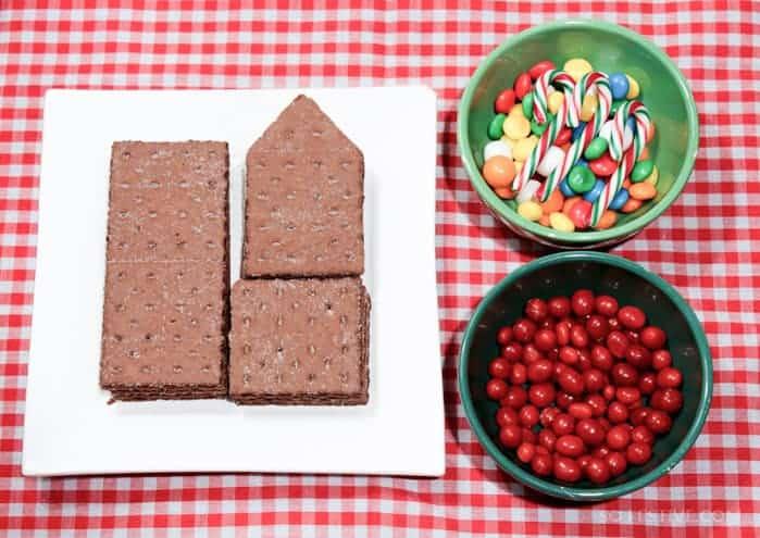 Graham-Cracker-Christmas-Gingerbread-House