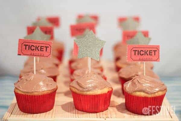 star-cupcakes-movie-theater-party