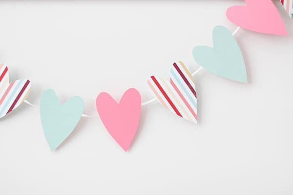 DI-Heart-Garland-2