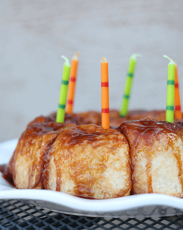 birthday-breakfast-sticky-buns