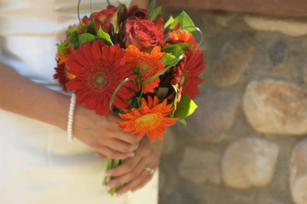 wedding-bouquet-bright-flowers