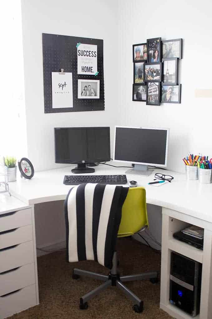 black-white-home-office-studio