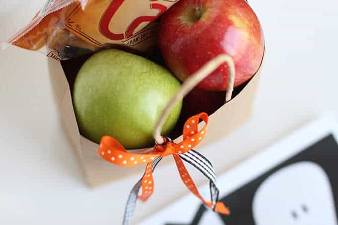 caramel-apple-halloween-phantom