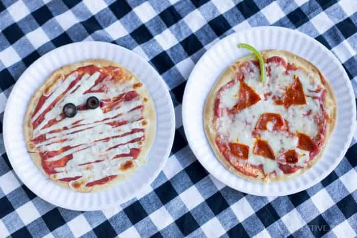halloween-dinner-jack-o-lantern-pizza-2