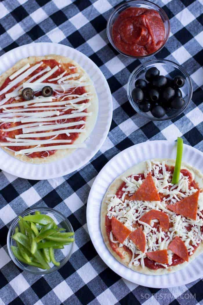 halloween-dinner-jack-o-lantern-pizza-5
