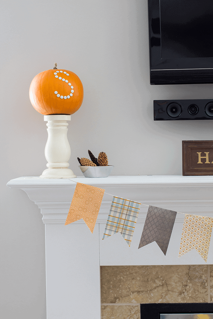 easy-thanksgiving-mantle-decor