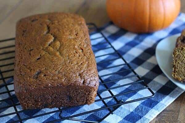 pumpkin-chocolate-chip-fall-bread