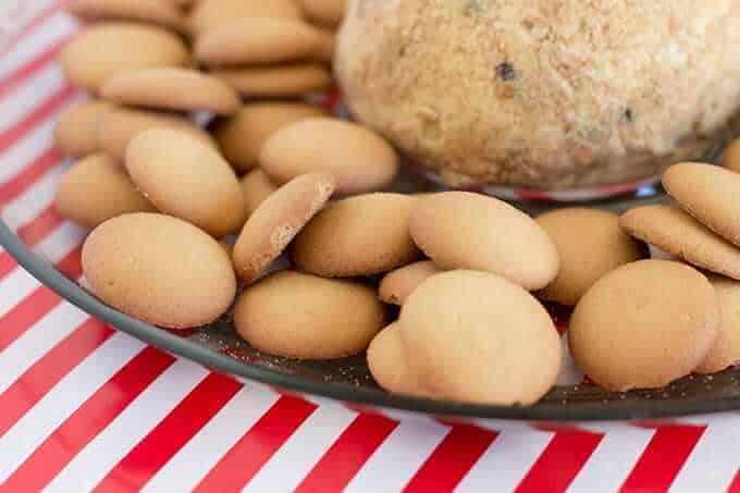 cream-cheese-ball-vanilla-wafers-dessert-idea