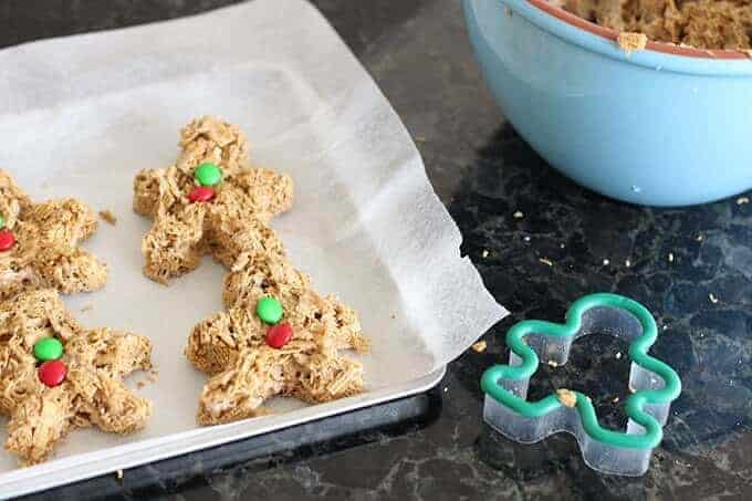 gingerbread-cookies-treat