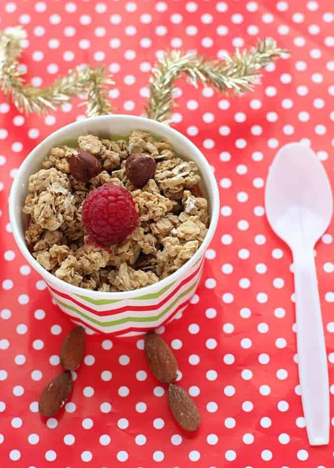 quaker-simply-granola-dessert-parfaits