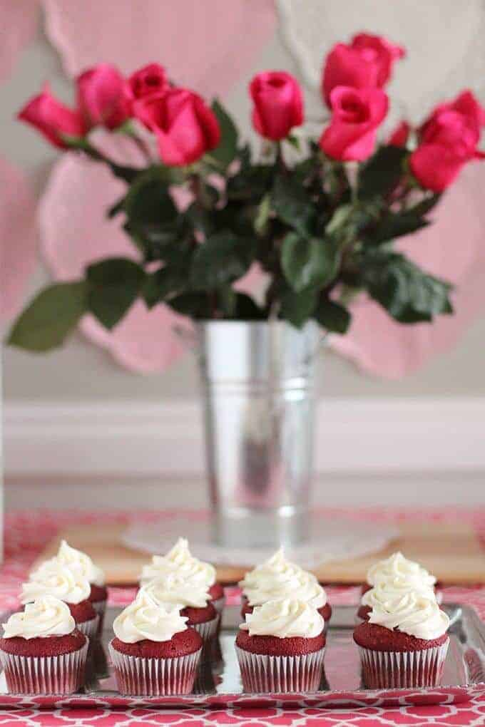 party-cupcakes-roses