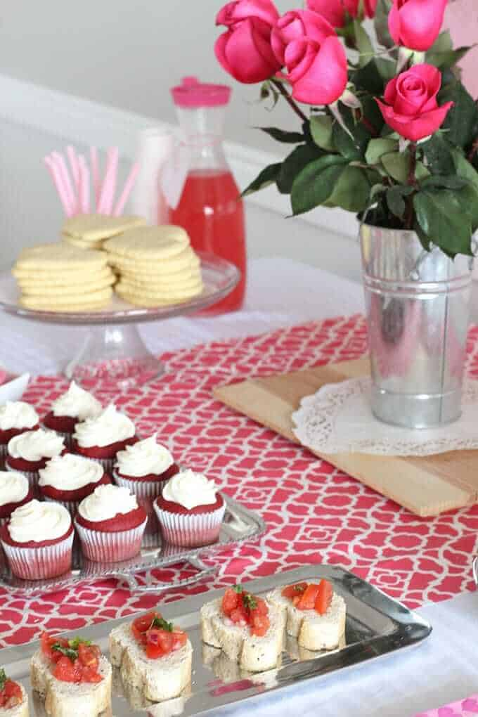 Valentine 39 s party a date box exchange so festive for Valentines day party foods