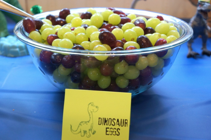 How to Throw a Dinosaur Birthday Party for Kids So Festive