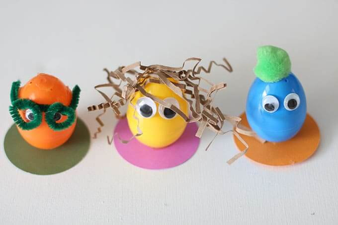 Decorating Easter Eggs // Egg People