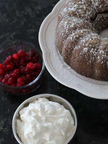 chocolate-cake-recipe-berries-and-cream