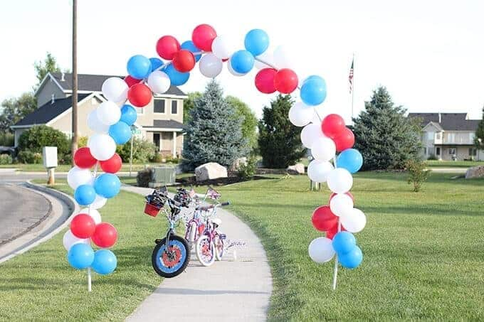 bike-parade-make-balloon-arch