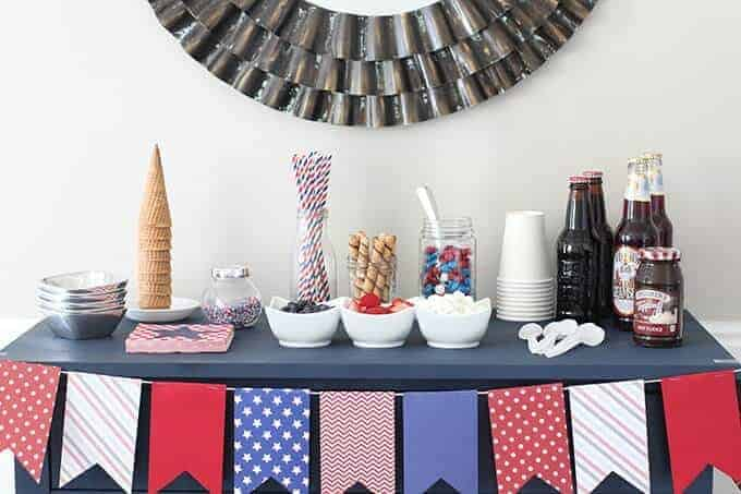 fourth-of-july-ice-cream-sundae-bar