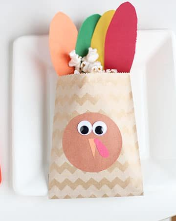 turkey-treat-bag-thanksgiving-favor