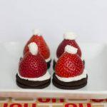 Santa-Hat-Oreo-Cookies