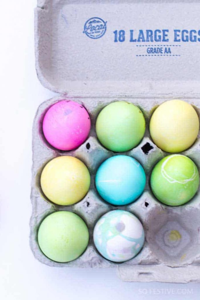 Decorating Easter-Eggs-Homemade Dye-6