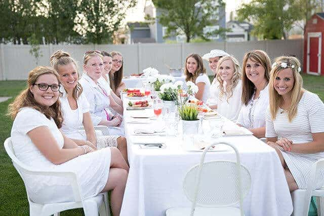 diner-en-blanc-table-food-clothing ideas