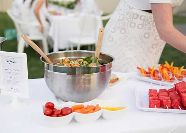 how-to-host-your-own-diner-en-blanc
