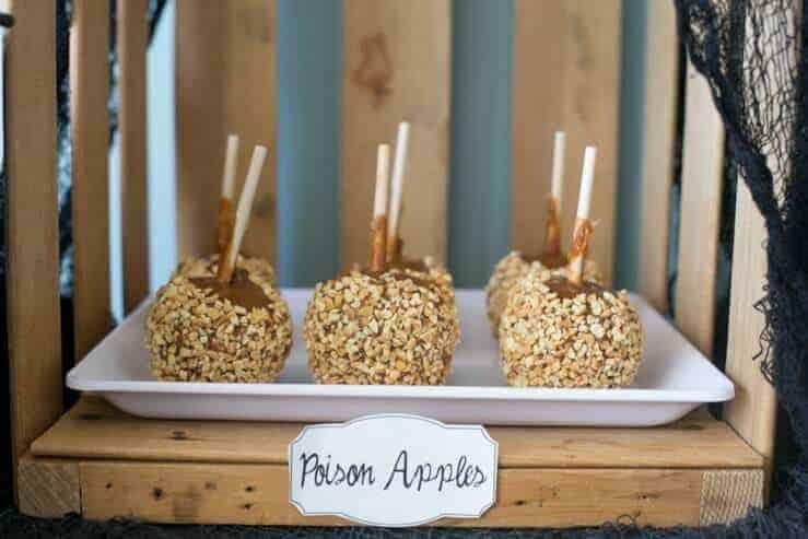 halloween-food-idea-caramel-apples