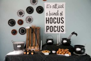 How to Throw a Hocus Pocus Halloween Party