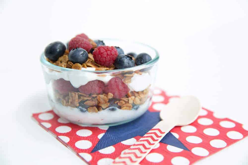 fourth-of-july-breakfast-fruit-parfait