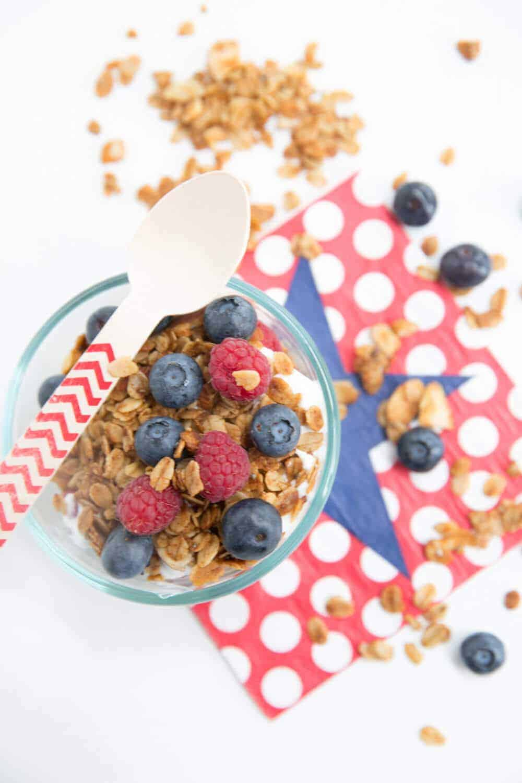 fourth-of-july-breakfast-fruit-parfait