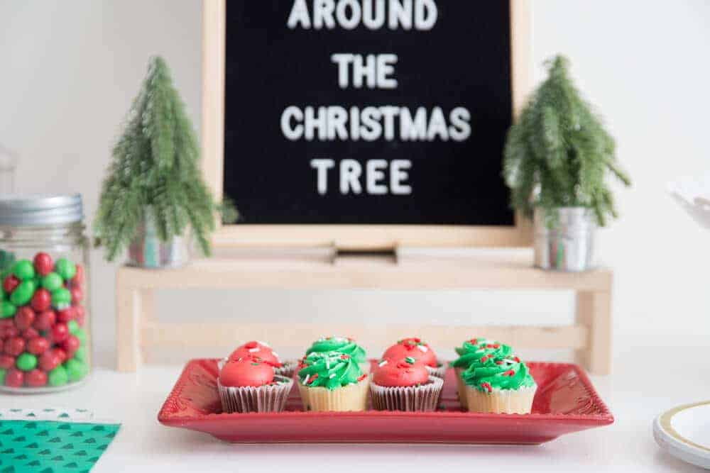 How to throw an ugly christmas sock party an original christmas party the decorations for this christmas sock party are so simple solutioingenieria Choice Image