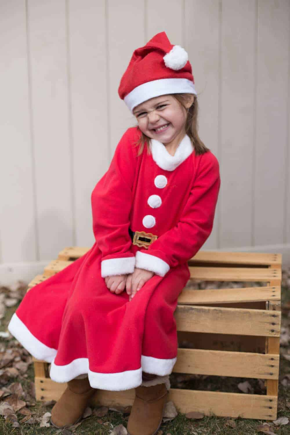 family halloween costume ideas- santa elf costume