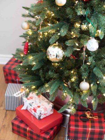 Galvanized-Christmas-Tree-Collar