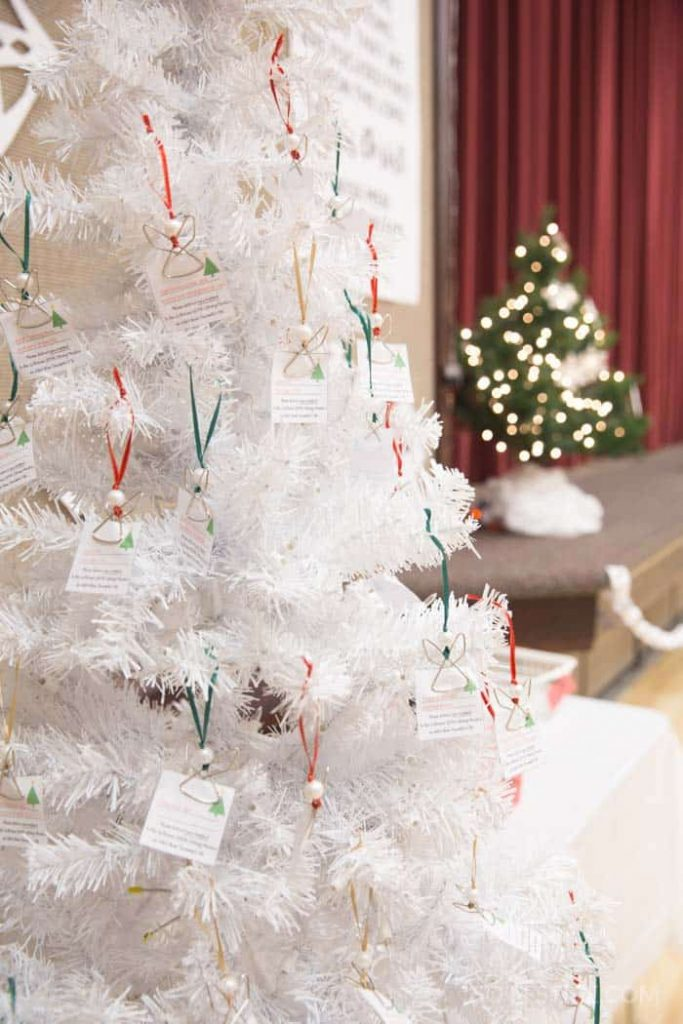 white-christmas-angel-tree