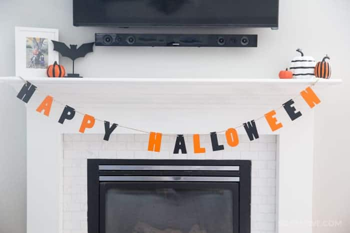 halloween-mantle