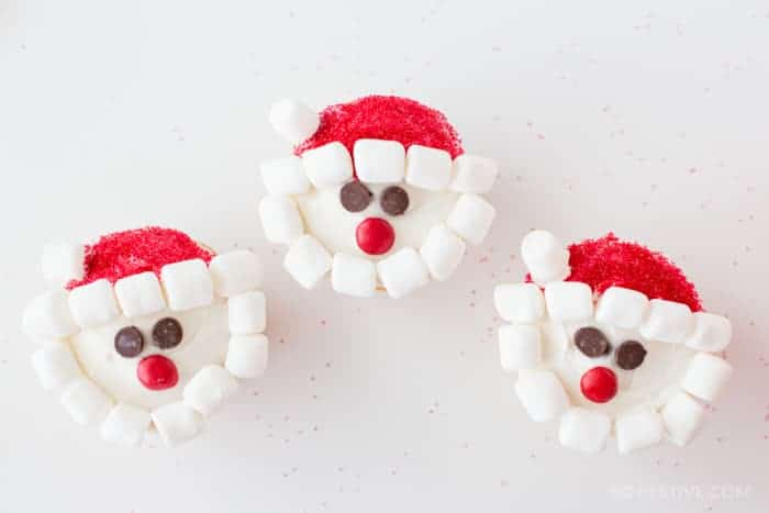 easy-santa-cupcakes-christmas