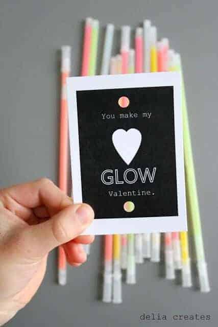 Glow-in-the-Dark-Valentines-