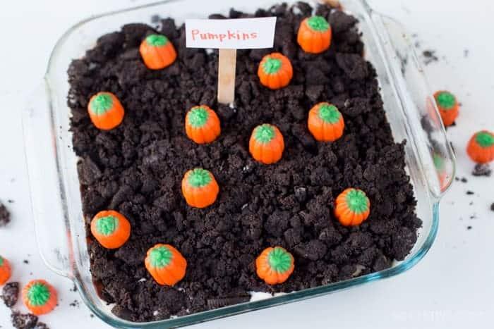 Halloween-desserts-pumpkin patch-cake
