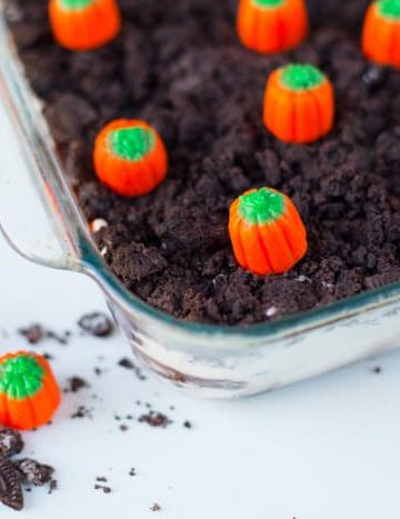 pumpkin-patch-halloween-cake-idea