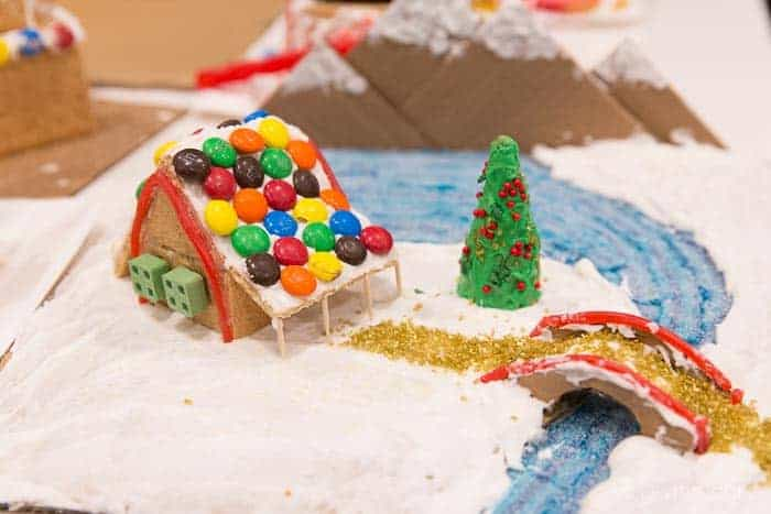 graham-cracker-gingerbread-houses