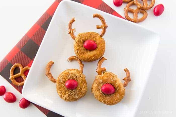 reindeer-snowman-donuts-christmas-desserts-for-kids