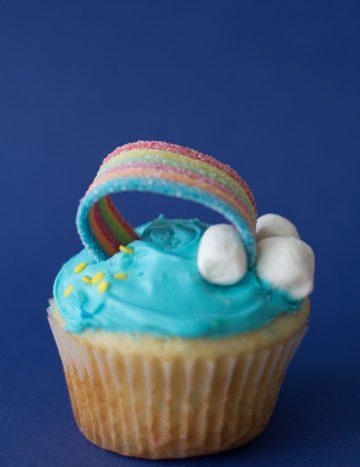 st.-patricks-day-treat-rainbow-cupcakes